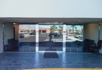 precision_glass_and_mirror_storefront.image.jpg