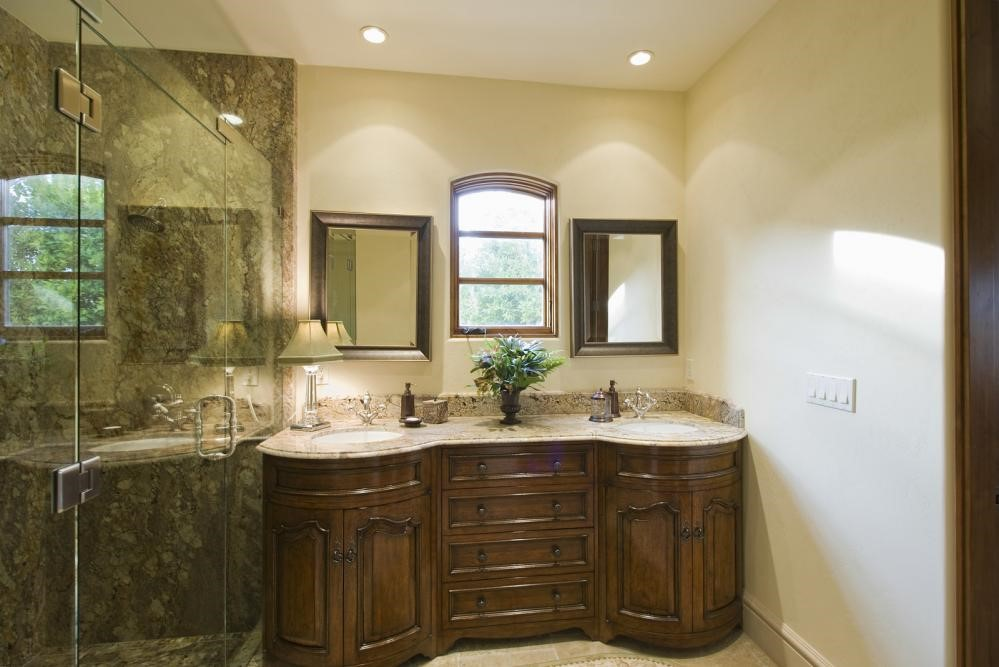 9 Ways Switching from Framed to Frameless Shower Doors Can Improve your Bathroom